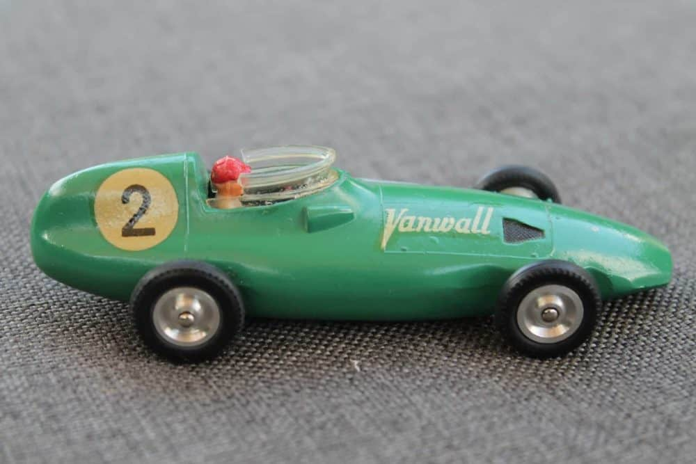 Solido Toys 104 Vanwall F1-side