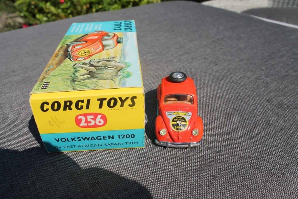Corgi Toys 256 Volkswagen 1200 'East African Safari'-front